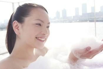女性の敏感な肌には弱酸性の石鹸